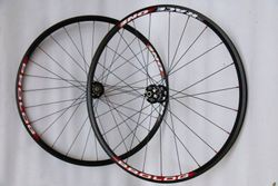 Kola PROLOG RACE ONE DISC fullblack-red, Novatec 8-11s DISC, DT Swiss - 1705g