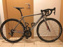Canyon Ultimate CF SLX 9.0, SRAM RED eTap, DTSwiss RC 38T - 6,3kg