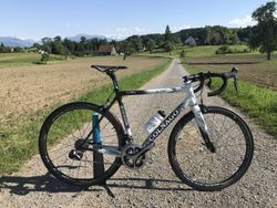 Colnago C60 so Shimano Dura Ace Di2 a Fulcrum Racing Quattro Carbon kolesami