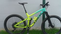 TREK SLAH 8 201919.5 MIAMI TO VOLT FADE