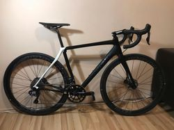 CANNONDALE SYNAPSE HI-MOD BLACK INC. DISC DI2