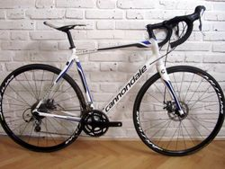 CANNONDALE SYNAPSE DISC na Shimano Tiagra. 56 cm.