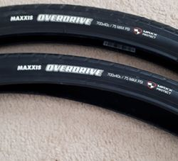 MAXXIS OVERDRIVE 700X40C