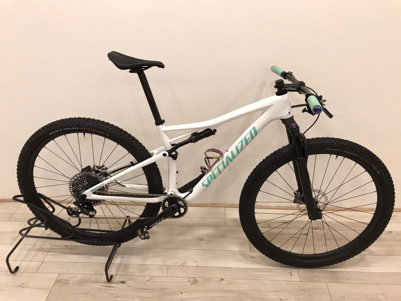 SPECIALIZED EPIC - CUSTOM (9,90 kg), vel. M