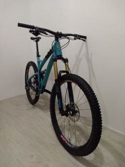 YETI SB5c vel. L TOP 27,5 /650b Full Carbon