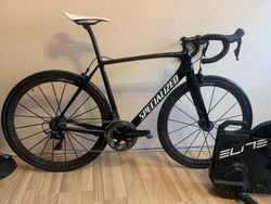 Specialized Tarmac Cosmic Black, Lightweight Meilenstein, vel. 56, Dura-ace R9100, 6,45kg