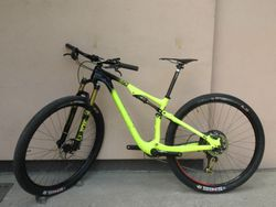 Specialized Epic S-Works Carbon 29'' - Sram XX1 Eagle gold, Fox Kashima, Shimano XTR!